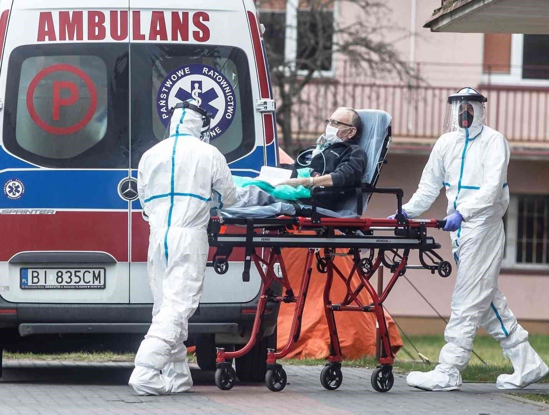 إيطاليا 15 حالة وفاة وأكثر من 5 آلاف إصابة كورونا خلال 24 ساعة