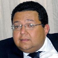 «إسماعيل سراج الدين»... وإشكاليات الإدارة الحكومية