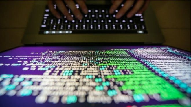 باحث في أمن الإنترنت يوقف