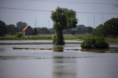 وزير الداخلية الألماني: إعادة الإعمار بمناطق كارثة الفيضانات ستبلغ عدة مليارات يورو