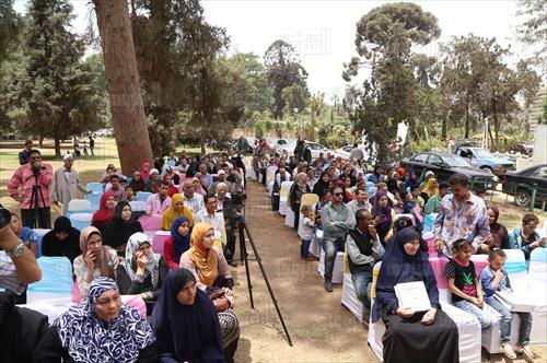 بالصور.. مصر العطاء توزع 120 سماعة لضعاف السمع مجانًا