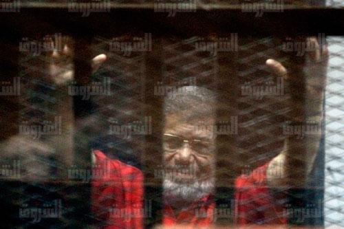 مرسي في اقتحام السجون: «أرفض محاكمتي.. أنا رئيس الجمهورية»