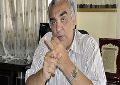 د. عبدالحميد أباظة رئيس لجنة صياغة قانون التأمين الصحى الشامل الجديد
