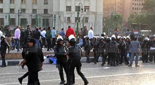 التظاهر بميدان التحرير من حملة «الماجستير والدكتوارة» للمطالبة بالتعيين بجهاز الحكومي الدولة