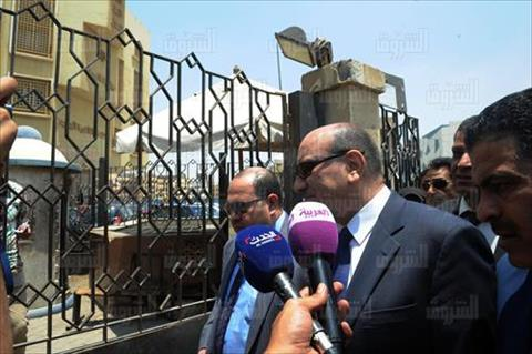 وصول هشام جنينة لنيابة أمن الدولة بالتجمع- تصوير أحمد عبدالفتاح