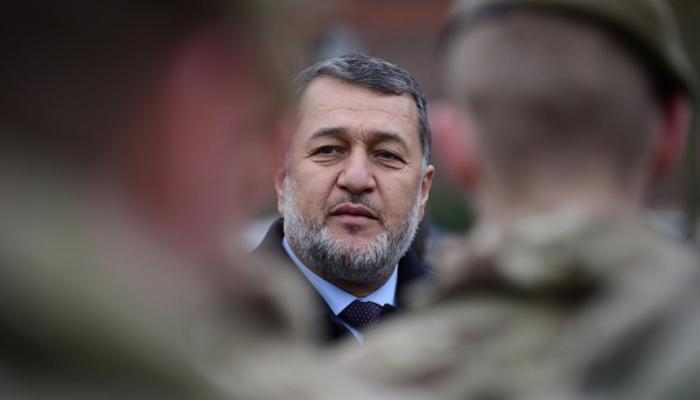 وزيرالدفاع الأفغاني بالوكالة: لن أسمح لطلبان بفرض أهدافها عسكريا