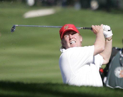 جدل حول لعب ترامب الجولف ووفيات كورونا تناهز 100 ألف - بوابة الشروق - نسخة  الموبايل