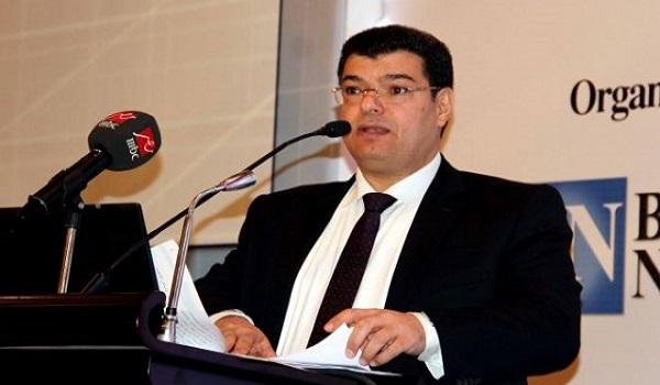 الصحفي مصطفى صقر