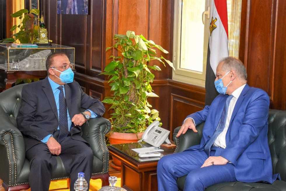 استقبال محافظ الإسكندرية محمد الشريف لسفير اليونان