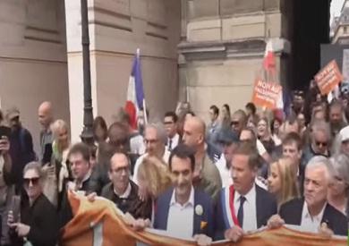 فيديو.. الفرنسيون يتظاهرون ضد تشديد إجراءات منع كورونا وإلزامية التطعيم