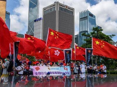 مسؤولو هونج كونج يدافعون عن قانون الأمن بعد تحذير أمريكي من مخاطره