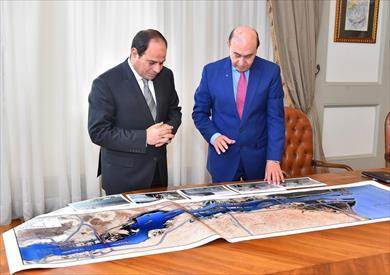 الرئيس يوجه مميش بتطوير وتعزيز قدرات وعائدات قناة السويس