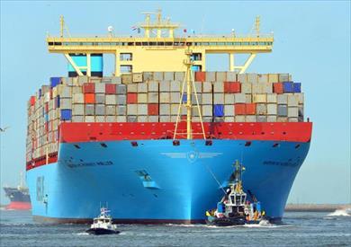 57 سفينة تعبر قناة السويس بحمولات 4.2 مليون طن -          بوابة الشروق
