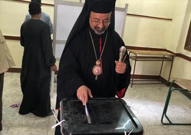 بالصور| بطريرك الأقباط الكاثوليك يدلي بصوته في التعديلات الدستورية