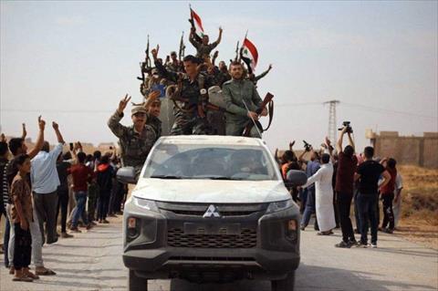 الجيش السوري يواصل الاقتراب من الحدود مع تركيا