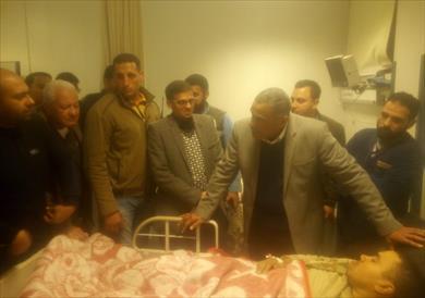 محافظ مطروح يطمشن على مصابي قطار سيدي عبد الرحمن بمستشفى الضبعة
