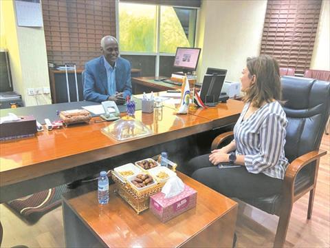 وزير الرى السودان اثناء حواره للشروق