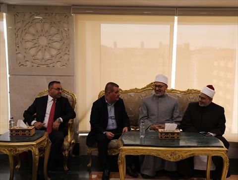 أمين مجمع البحوث الإسلامية يلتقي وفد الوقف السني العراقي