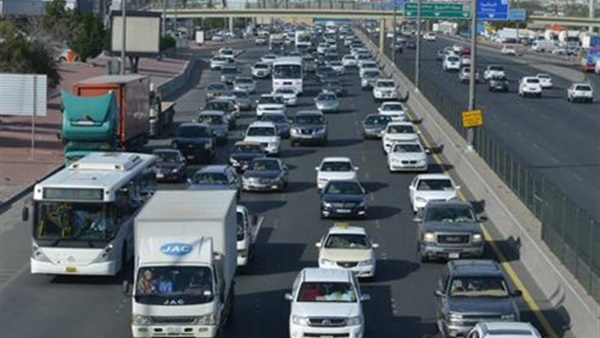 كثافة مرورية على الطرق السريعة - أرشيفية