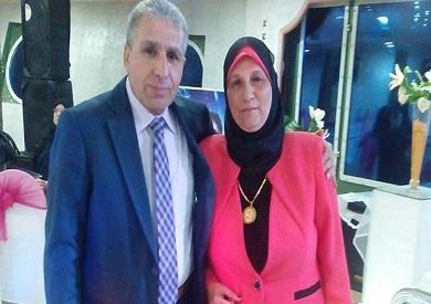 المحاسب جمال عبدالعاطي المستشار المالي لمحافظة الشرقية وزوجته