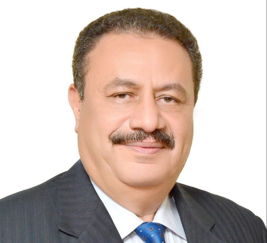 رضا عبد القادر، رئيس مصلحة الضرائب،
