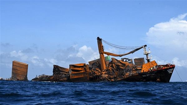 مسئولة أممية: السفينة الغارقة قبالة سواحل سريلانكا تسببت في إحداث ضرر كبير للكوكب