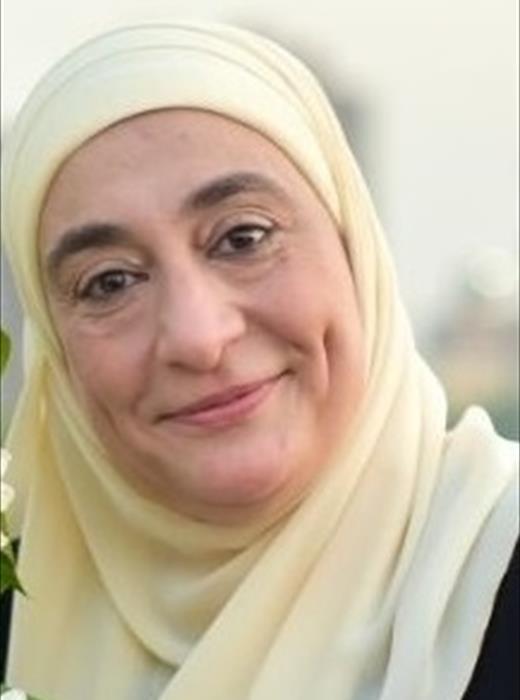 كاميليا عبد الحميد أبو السعود أستاذ <br/><br/>بجامعة طنطا ورئيس مجلس قسم العقاقير بكلية الصيدلة