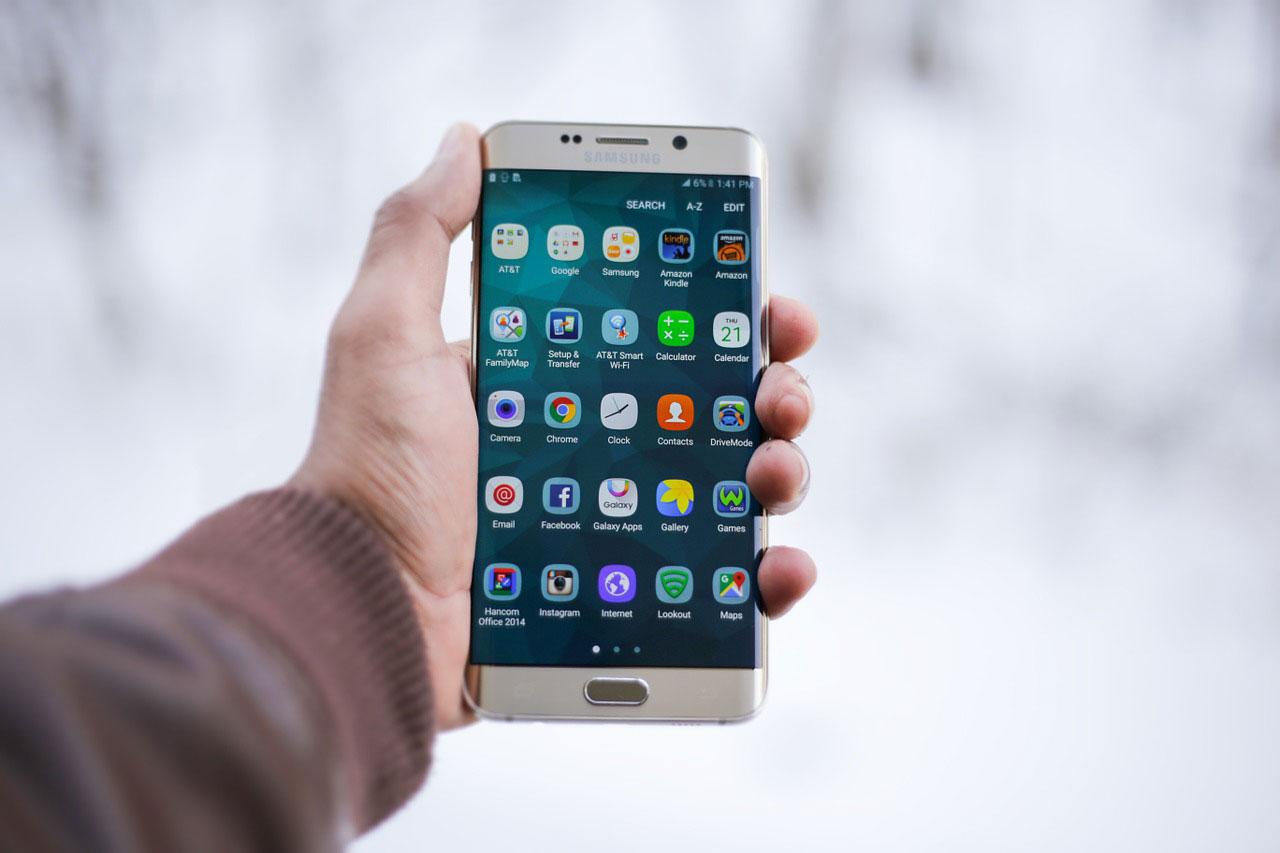«جالاكسي إس8» أكثر من مجرد هاتف ذكي حديث