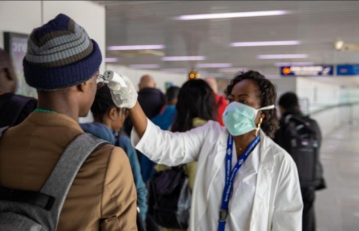 رواندا تفرض مجددا الحجر الصحي حتى 26 يوليو بسبب ارتفاع إصابات كورونا