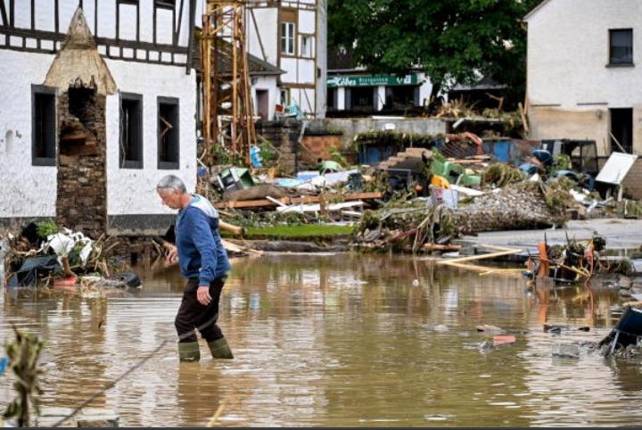 الرئيس الألماني يطالب باستمرار تقديم الدعم لضحايا الفيضانات