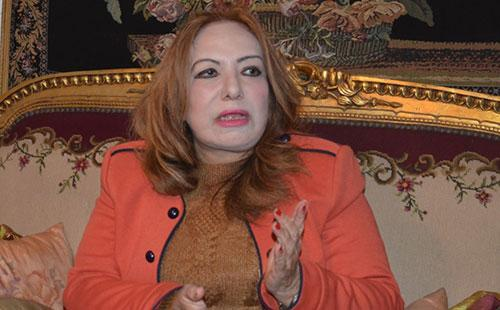 الدكتورة زبيدة عطا الله عميد كلية الآداب بجامعة حلوان