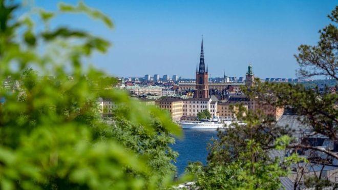 تشتهر السويد بالموازنة بين العمل والاستمتاع ومع ذلك يعاني كثيرون فيها من الإنهاك