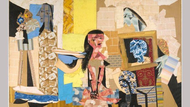 """استخدم بيكاسو قصاصات من ورق الجدران، لتنفيذ عمل بطريقة """"الكولاج"""" يحمل اسم """"نساء في غرفة الزينة"""" خلال عاميْ 1937 و1938."""