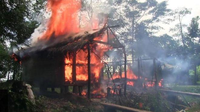 منازل مسلمي الروهينجا تتعرض للحرق في ولاية راخين