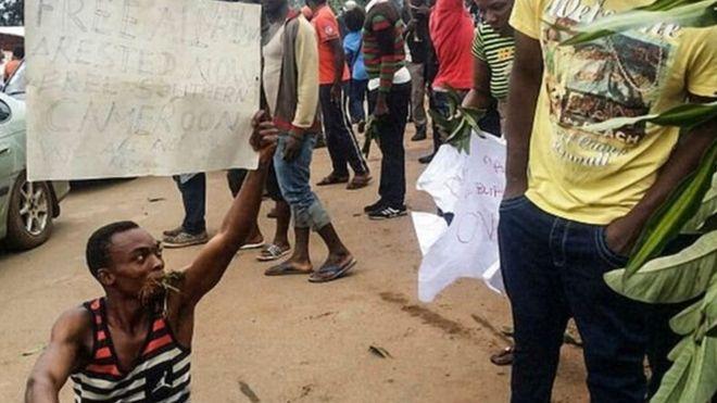 النشطاء يتهمون القوات الكاميرونية باستخدام القوة المفرطة