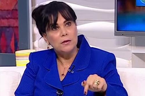 الدكتورة عزة كامل