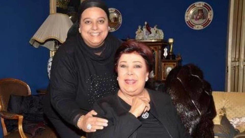 الفنانة الراحلة رجاء الجداوي وابنتها أميرة حسن مختار