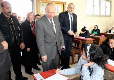 محافظ القاهرة يتفقد امتحانات الترم الأول للشهادة الإعدادية<br/>