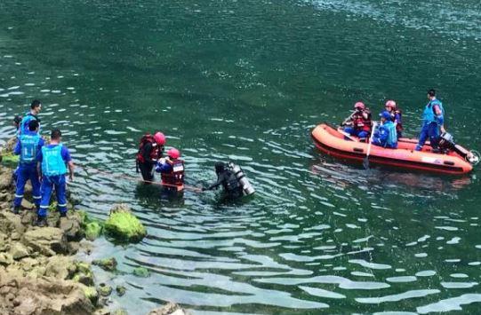 مقتل 6 أشخاص وفقدان 12 في انقلاب قارب جنوب غربي الصين