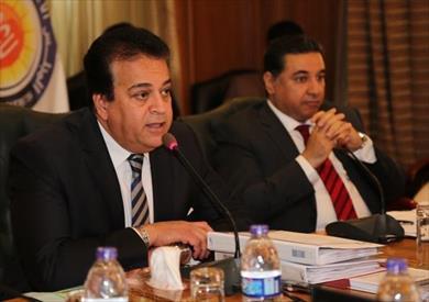 وزير التعليم العالي يؤكد على ضرورة التزام الجامعات بأجندة العام الدراسي