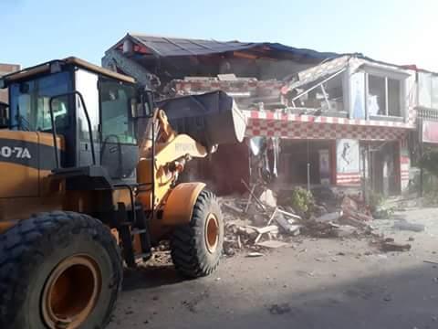 محافظ الشرقية: إزالة 32 محلا تجاريا مخالف على حرم السكة الحديد بأبو حماد