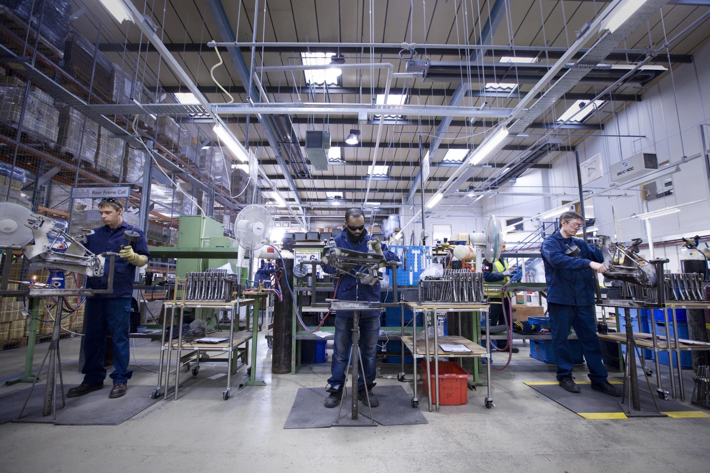 عضو بجمعية رجال الأعمال: يجب تحسين العلاقة بين العامل وصاحب العمل