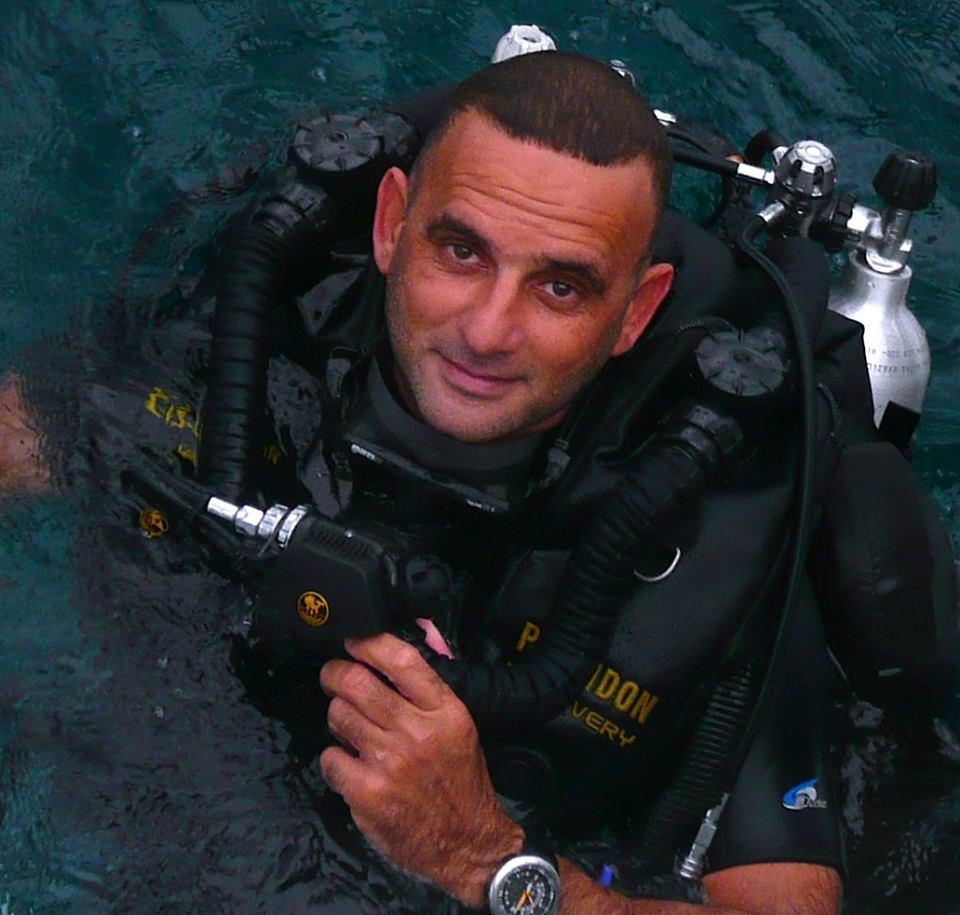 الغواص المصري - خالد ذكي