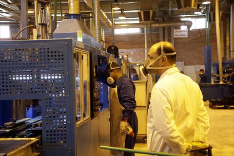 مصنع جولدن هورس الحربى للبطاريات  /تصوير - ابراهيم عزت
