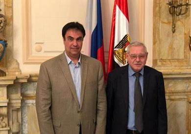 رئيس غرفة شركات السياحة بالإسكندرية مع قنصل روسيا
