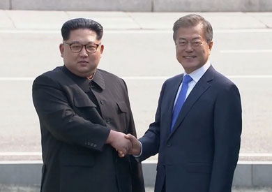 الزعيمان الكوريان الشمالي كيم جونج أون والجنوبي مون جاي إن