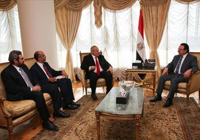 رئيس جامعة القاهرة يبحث مع وزير الاتصالات توقيع بروتوكول تعاون