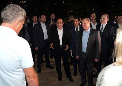 بوتين يصحب السيسي في جولة على كورنيش سوتشي