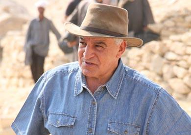 زاهي حواس وزير الآثار الأسبق
