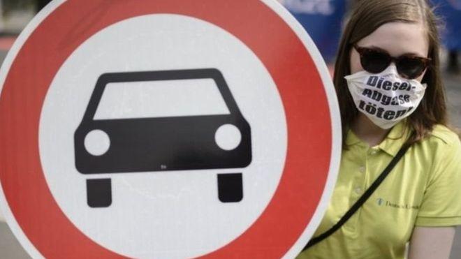الشركات الألمانية تعرضت لفضيحة مدمرة بسبب الغش في اختبارات عوادم السيارات<br/>